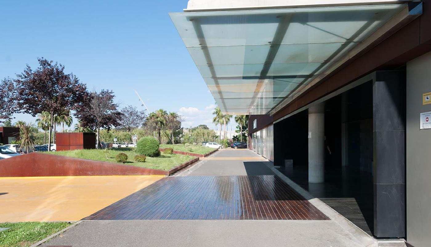 Galia Puerto: ¿Cómo puede ayudarte un Centro de Negocios a ahorrar dinero?