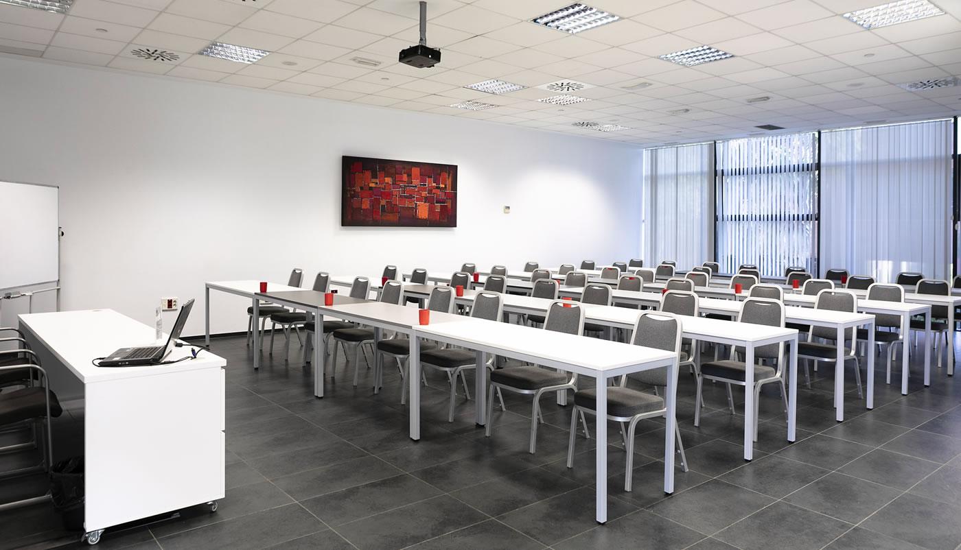Galia Puerto - ¿Qué ventajas encontramos alquilando salas de reuniones?