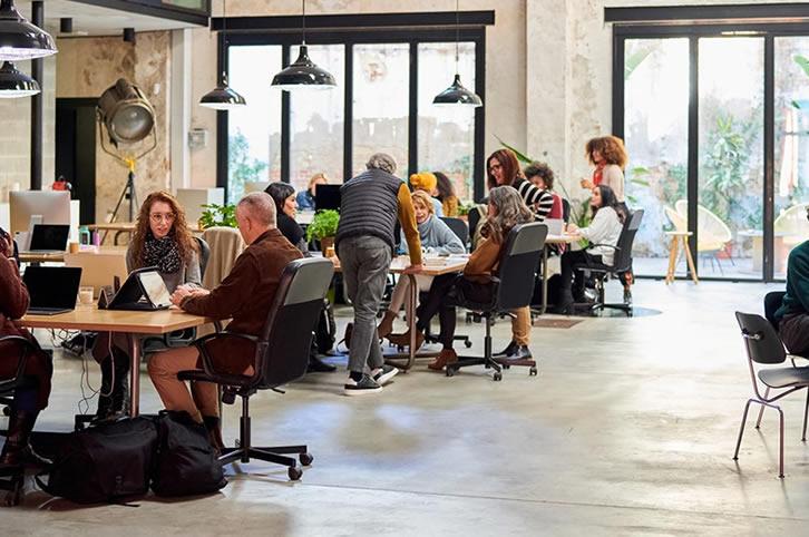 Galia Puerto - Optimiza recursos con los flex offices